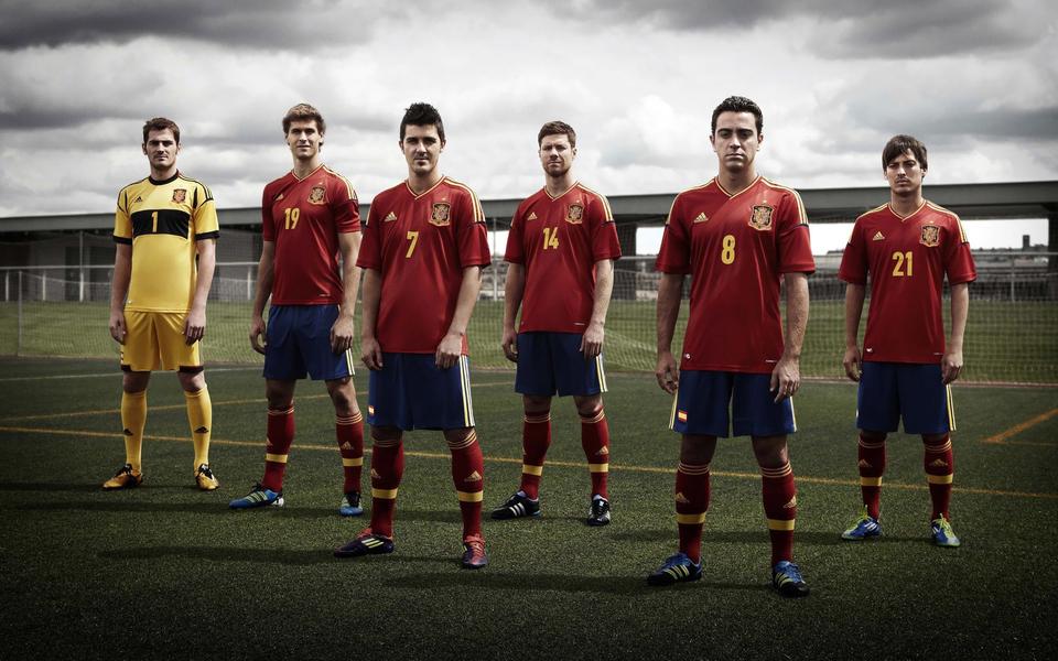 2014世界杯西班牙国家队壁纸-ZOL桌面壁纸