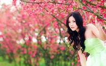 青春阳光魅力美女电脑壁纸