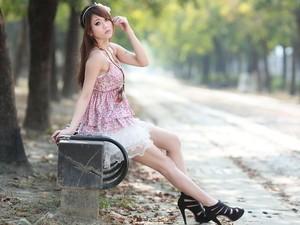 安卓精选 美女 养眼 2012年手机壁纸