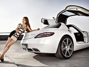 安卓车模 香车美女 鸥翼 SLS 奔驰手机壁纸