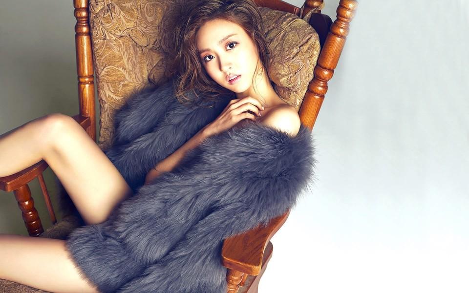 韩国明星罗海灵美女壁纸