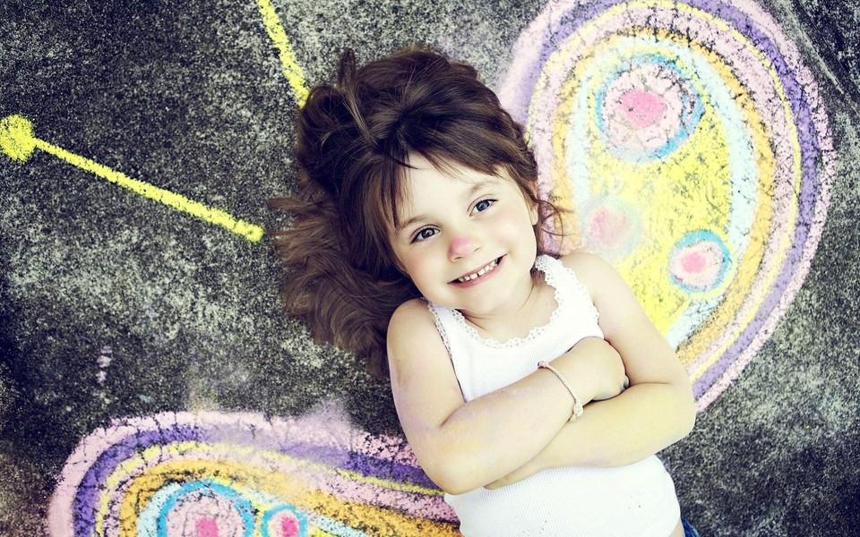 欧美可爱萝莉高清壁纸