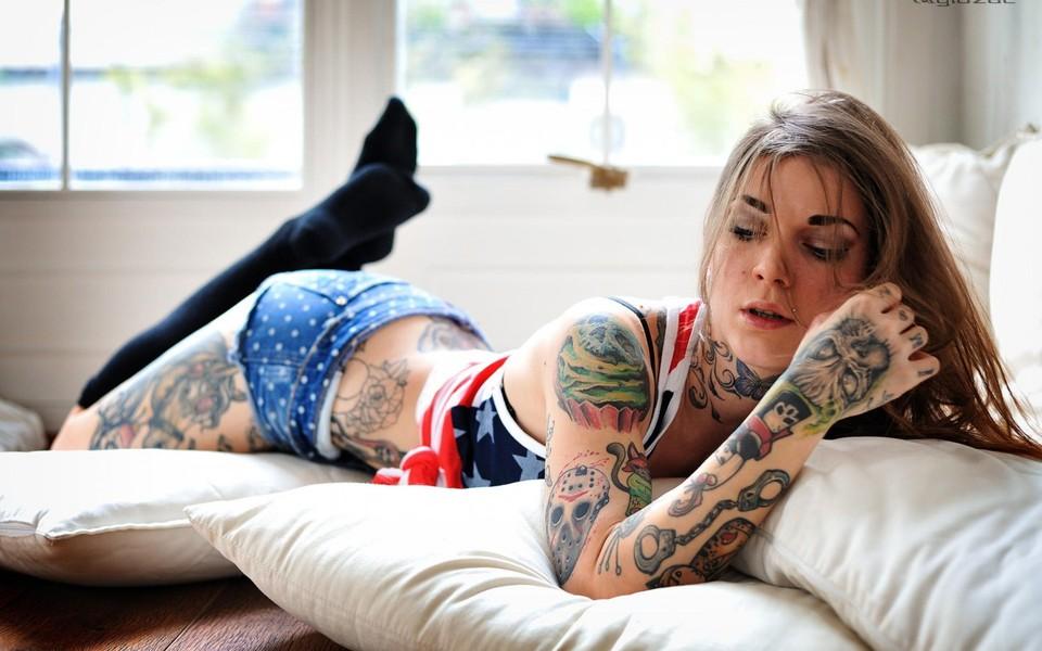 美女纹身高清壁纸1440x900