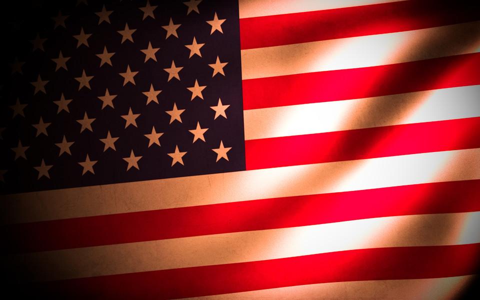 星条旗永不落歌词_美国国歌:星条旗永不落中文歌词《星条旗永不落》歌词中文大意是